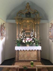 l'intérieur de la chapelle -le choeur